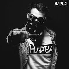 Bereit für's Wochenende? Den Style aus der Hauptstadt findet ihr bei uns. www.hapeki.de #hapeki #berlin #streetstyle #streetwear #streetwearfashion #streetfashion #blackandwhite