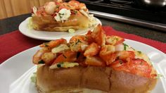 Chef Ariel Fontanilla and Manager Abdul Yousafzai are here from Ballard's Inn on Block Island making a Hot Lobster Roll.