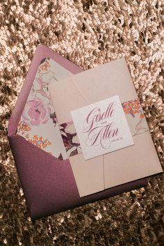Wedding Invitations, Blush and Burgundy, Foil and Digital Printing, Floral Details, Giselle Suite, Jupiter and Juno