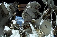 .@astro_reid during his #spacewalk today. #outofthisworld