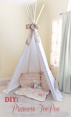 I should seriously make this for the balcony. A quick and easy tutorial to make the perfect reading/play space for your little one. Can easily adapt for a boy! Do It Yourself Projects, Cool Diy Projects, Diy Crafts For Kids, Easy Crafts, Easy Diy, Projects To Try, Diy Teepee, Teepee Tent, Teepees