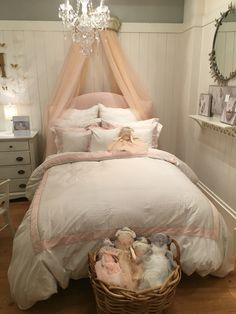 We love kids and we love Monique Lhuillier. Check out the very pretty Monique Lhuillier Collection for Pottery Barn Kids