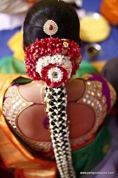 indian wedding hair Poo Jadai Alangaram Designs for Wedding and Seemantham South Indian South Indian Wedding Hairstyles, Bridal Hairstyle Indian Wedding, South Indian Weddings, Bride Hairstyles, Simple Hairstyles, Easy Hairstyle Video, Hair Garland, Wedding Hair Pieces, Hair Wedding