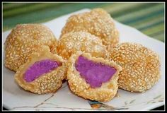 Buchi or butsi is a sesame seed covered pastry made from glutinous rice flour with bean paste filling. It is another favorite Filipino dessert which is an adaptation of the Chinese Jin Deui.Such a delectable treat that is crispy on the outside and soft and chewy on the inside!  Serve as snack or dessert! Enjoy!
