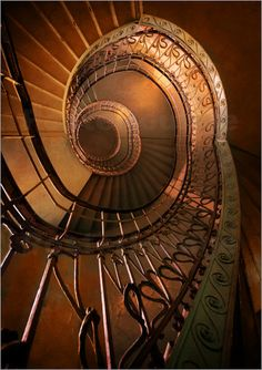 Poster Brown spiral staircase