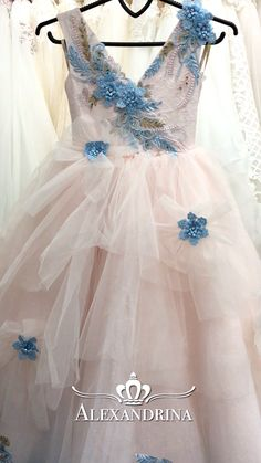 Flower girl dress for a wedding, birthday or any special day. Luxury pageant dresses by Alexandrina. Kids Party Wear Dresses, Baby Girl Party Dresses, Dresses Kids Girl, Birthday Dresses, Cute Dresses, Girl Outfits, Flower Girl Dresses, Baby Dress Design, Kids Gown