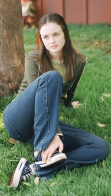 Rory Gilmore Style, Lorelai Gilmore, Gilmore Girls Fashion, Pretty Outfits, Cute Outfits, Team Logan, Glimore Girls, Girl Outfits, Fashion Outfits