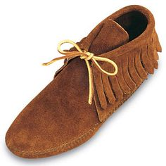 Minnetonka 682 - Women's Thin Crepe Outsole Ankle Hi Fringe Boot Moccasins - Style