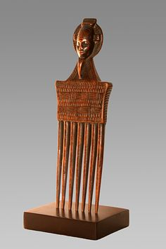 Africa | Comb from the Baule people of the Ivory Coast | Wood | Mid 20th century