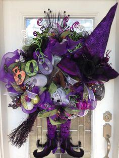 Halloween deco mesh wreath, one of my favorite