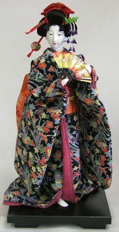 日本人形 Japanese Geisha, Japanese Kimono, Vintage Japanese, Japanese Doll, Momiji Doll, Kokeshi Dolls, Doll Japan, Barbie, Ideas