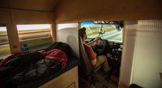 """Cansado de não ver nenhum projeto sair do papel, o arquiteto Hank Butita resolveu comprar um ônibus escolar e transformá-lo em uma casa. Ele demorou 15 semanas para concluir o projeto, que foi o trabalho final de sua universidade. O ônibus tem duas camas, cozinha e banheiro e economiza espaço com mobília móvel e de...<br /><a class=""""more-link"""" href=""""https://catracalivre.com.br/geral/inovacao/indicacao/estudante-de-arquitetura-transforma-onibus-escolar-em-casa/"""">Continue lendo »</a>"""