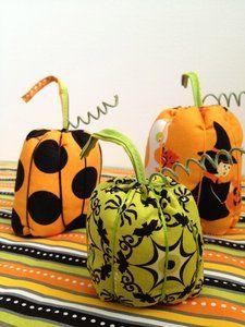 Riley Blake Designs -- Cutting Corners: Pumpkin Pincushions