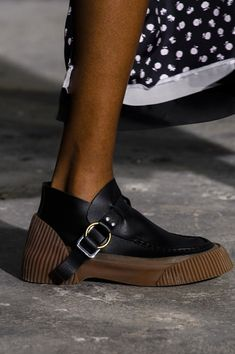 Phillip Lim Fall 2018 Fashion Show Details - The Impression - FootWear Sock Shoes, Shoe Boots, Ankle Boots, Shoe Bag, Phillip Lim, Moda Fashion, Fashion Shoes, Fashion Models, Womens Fashion