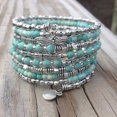 Turquoise and silver memory-wire bracelet [photo only] {bracelet mémoire turquoise et argent)