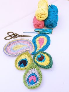 Peacock And Paisley Motifs By Heike Gittins - Free Crochet Pattern - (madewithloops)
