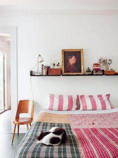 Versatile Bedroom Decor: Shelves Above the Bed - Fox Home Design Patio Interior, Home Interior, Interior Design, Interior Ideas, Home Bedroom, Bedroom Decor, Bedroom Ideas, Calm Bedroom, Casual Bedroom