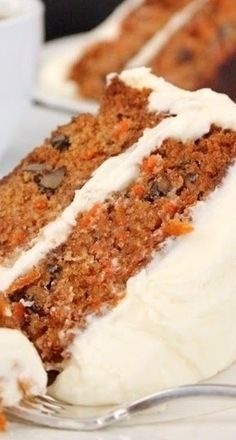 Classic Carrot Cake with Cream Che ese Frosting
