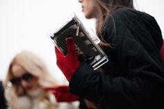 BOLSOS & CLUTCH. otoño invierno 2014. El clutch transparente de Zara