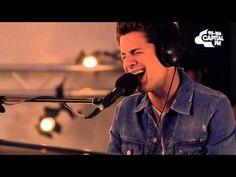 """Charlie Puth apresenta versão acústica de """"One Call Away"""" #Hit, #Novo, #NovoSingle, #Single http://popzone.tv/charlie-puth-apresenta-versao-acustica-de-one-call-away/"""