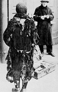 street vendor Shoah - The Holocaust