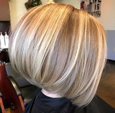 27 Angled Bob Hairstyles Trending Right Right Now for 2019 - Style My Hairs Angled Bob Haircuts, Messy Bob Hairstyles, Haircuts For Fine Hair, Hairstyles Haircuts, Graduated Bob Haircuts, Blonde Bob Haircut, Bob Haircut With Bangs, Medium Hair Styles, Short Hair Styles