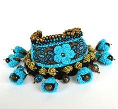 Hey, I found this really awesome Etsy listing at https://www.etsy.com/listing/257626609/boho-chic-turquoise-bracelet-big-chunky