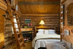 "Lovey dovey ""Little House on the Prairie"" log cabin made of Jack Pine, created offsite then assembled here. Cozy cabin for 2...."