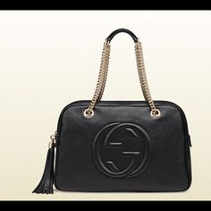 Nwt Gucci soho black leather light fine gold hardware natural cotton linen lining medium size: W38cm x H25cm x D13cm Made in Italy embossed interlocking G leather tassel double shoulder chain straps with leather shoulder pads, 22cm drop and mounted with rivets top zip closure 353126 A7M0G 100 Gucci Bags Shoulder Bags