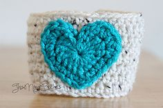 Ravelry: Oatmeal Coffee Cozy with Teal Heart pattern by Nani Knots