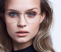 Con la llegada de las lentes de contacto, las gafas para visión han pasado de la categoría de un accesorio necesario a elegante y estiloso. La montura bien elegida puede cambiar radicalmente la imagen y ajustar las proporciones de la cara. Moda Nerd, Best Eyeglass Frames, Best Eyeglasses, Computer Glasses, Fashion Eye Glasses, Josephine Skriver, Naturally Curly Bob, Famous Models, Kleding