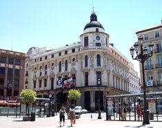 Teatro Calderón, en la Plaza de Jacinto Benavente de Madrid