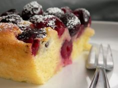 Baked Fresh Cherry Custard Cake is part of Custard cake recipes - This delicious baked cherry custard recipe calls for sweet, dark cherries baked simply in a creamy, eggy batter for a comforting dessert Custard Cake, Custard Recipes, Baking Recipes, Fresh Cherry Cake Recipe, Baked Custard Recipe, Cherry Desserts, Köstliche Desserts, Dessert Recipes, Recipes