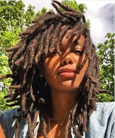 Sober year going strong, locs growing loooong 🔑👑🦁 have patience 🌻 Pelo Natural, Natural Hair Care, Natural Hair Styles, Natural Hair Weaves, Nattes Twist Outs, Beautiful Dreadlocks, Pretty Dreads, Hair Locks, Dreadlock Hairstyles
