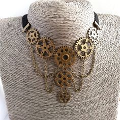 Steampunk Necklace. Steampunk Jewelry. Gears. Bronze. Victorian style. ($12) ❤ liked on Polyvore featuring jewelry, necklaces, bronze necklaces, steam punk necklace, bronze jewelry, collar jewelry and victorian jewelry