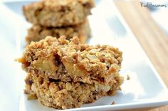 Apple Pie Oatmeal Bars