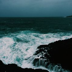 teaganroberts:  The water was crazy and rough today but I loved it ⚡️☔️  Looks so much like a George Bellows seascape