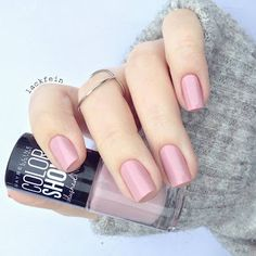 love this maybeline nail colour