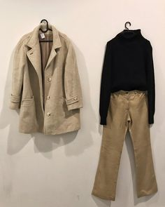 "80b171f362 VΛ VINTAGE on Instagram: ""#vintage #vintageshop #vintagefashion  #vintagestyle #vintagelook #vintagelove #90s #90sstyle #90sfashion  #shopping #streetwear…"""