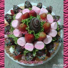 Torta de magmelos y frutas