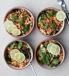 Kimchi-jyväpaistos - Lämmin jyväpaistos saa ytyä limetistä ja kimchin makuisesta hapankaalista. Vegaaninen herkku on nopeasti valmis. (Soppa365) #rasilaisenhapankaali #rasilainen #hapankaali #hapis #hapiskimchi #kimchi #vegaaninen