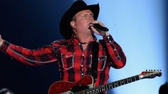 Garth Brooks Is Country Music's Highest Paid Celebrity in 2015 Rock Music Quotes, Singing Quotes, Country Music, Country Singers, Breaking Benjamin, Papa Roach, Sara Bareilles, Shameless Garth Brooks, Classic Songs