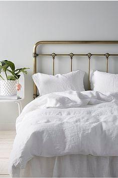 Industriell sängynpääty 180 cm Brass Headboard, Brass Bed, Peaceful Places, Blue Bedroom, Guest Room, Cosy, Interior Design, Furniture, Home Decor