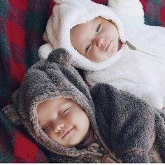 57 Ideas Baby Twins Pictures For 2019 So Cute Baby, Cute Twins, Baby Kind, Cute Baby Clothes, Cute Babies, Twin Baby Boys, Twin Babies, Little Babies, Baby Baby