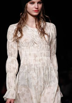 smocking Heirloom Sewing, Sonia Rykiel, Smocking, Sewing Ideas, Cool Outfits, Runway, Surface, Crafting, Textiles
