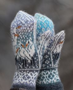 Ravelry: Herons In the Snow pattern by Natalia Moreva Mittens Pattern, Knit Mittens, Knitted Gloves, Knitting Socks, Hand Knitting, Knitted Dolls, Knitting Designs, Knitting Projects, Knitting Patterns