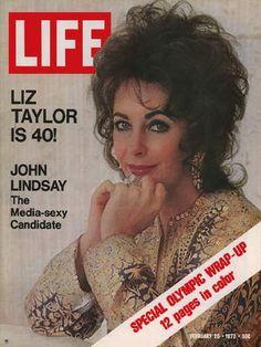Festejando los 40 de Elizabeth Taylor, en la edición del 25 de febrero de 1972.