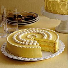 Lemon Cake Luscious lemon cake is a zesty alternative to classic vanilla. Lemons versatility gives you plenty of options for filling — lemon curd, raspberry jam, or buttercream frosting.