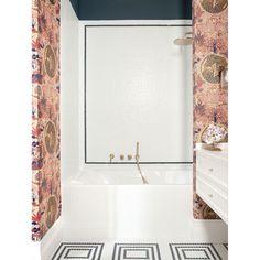 """¡Impresionados con el mural """"a medida"""" creado por el 📐 @estudiomariasantos 💕 para la zona de baño! . Eligieron mosaico #Hisbalit para crear un sutil y elegante rectángulo en color negro en la pared, en perfecta armonía con el diseño elegido para el suelo. Mosaic Floors, Vanity, Flooring, Bathroom, Beautiful Bathrooms, Mosaics, Create, Black, Elegant"""