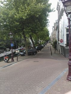 Lijnbaansgracht. No tourists here. A lovey canal for a stroll.